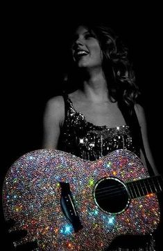 And now, the star of the show, the amazing, crystallized guitar! Posing here with Taylor Swift. Swift 3, Taylor Swift Fan, Taylor Alison Swift, Glitter Make Up, Sparkles Glitter, Bass, John Maxwell, Glitz And Glam, Country Music