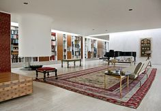 As one of the very few family homes that Saarinen designed, it is an excellent example of modernist architectural tradition, seen in the flo...