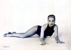 Vintage Hollywood, Classic Hollywood, Hollywood Actresses, Actors & Actresses, Betty Brosmer, Pin Up Girl Vintage, Vintage Woman, Yvonne Craig, Carolyn Jones