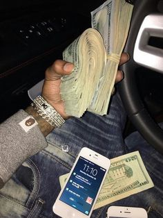 Luxury Lifestyle: Your Guide To Modern Luxury Life Cash Money, Mo Money, How To Get Money, Money Pics, Money Pictures, Rich Lifestyle, Luxury Lifestyle, Flipagram Video, Jackpot Winners