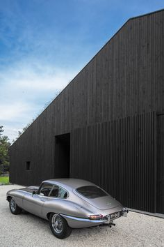 Dutch studio FillieVerhoeven Architects has completed a house near Rotterdam featuring an asymmetric gabled form clad entirely in blackened timber and incorporating large glazed openings on all sides. Timber Panelling, Timber Cladding, Exterior Cladding, Modern Wooden House, Modern Barn, Wood Architecture, Sustainable Architecture, Villa, Architect Design