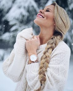 C'est beau la bourgeoisie #prettypics C'est beau la bourgeoisie Photography Poses Women, Winter Photography, Milan Street Style, Fotografie Portraits, Olivia Rink, Fashion Week Hommes, Winter Stil, Shooting Photo, Winter Pictures