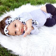 Monochrome Baby Fashion || 06.17.15 || eleven weeks  Headwrap+Scarf: @tiny_bows_and_arrows Leggings : @babyleggings