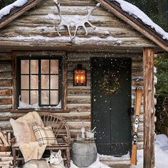 little log cabin on a winter night. Christmas is just around the corner. are you ready? Thanks to via for the cozy inspiration.The perfect little log cabin on a winter night. Christmas is just around the corner. are you ready? Winter Cabin, Cozy Cabin, Winter Snow, Cozy Winter, Diy Log Cabin, Winter Homes, Cabin Crafts, Winter Porch, Guest Cabin