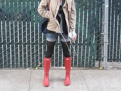 Rain Look: Shorts with tights and hunters with cargo jacket under long sleeve tee