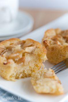 Hier als Apfeltörtchen mit Olivenöl und Pinienkernen Auf einem Bein steht es sich bekanntlich schlecht und damit die Mummentaart hier nicht als einziger Apfelkuchen sein Dasein fristet folgt heute ...