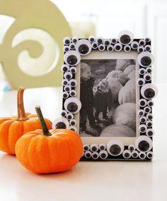 Halloween DIY: Googly Eyed Frame