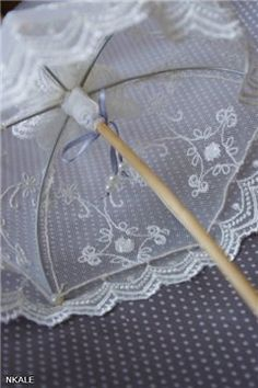 how to: lace parasol