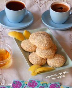 Αφράτα μπισκοτάκια με μέλι, λεμόνι & σουσάμι   Tante Kiki Biscuit Cookies, Biscuits, Blog, Food And Drink, Sweets, Greek Beauty, Breakfast, Gifs, Kitchen