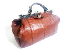 vintage chestnut brown leather doctor's bag / by LyskoVintage, $110.00