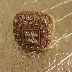 I just discovered this while shopping on Poshmark: Statement Peach and Gold Diamond Ring. Check it out!  Size: 8