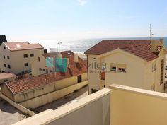 Apartamento T1 na Praia do Pedrogão, na 2ª linha de Praia com vista para o mar,  junto ao posto de turismo e dos apoios de praia. Ultimo andar virado a sul com varanda e garagem na cave.  #praia #t1 #imoveis #imobiliaria #novilei #pedrogao #leiria #venda