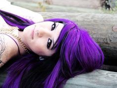 crazy hair color ideas - if I could pull this off I totally would dye my hair like this! Long Purple Hair, Bright Purple Hair, Bright Hair Colors, Black Hair, Dark Purple, Purple Style, Purple Tips, Neon Purple, Long Hair