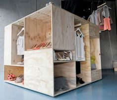 Zalando commissioned Berlin-based designer Sigurd Larsen to create a pop-up shop