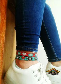 Tobilleras en Mostacilla Loom Beading, Beads, Bracelets, Life, Fashion, Amor, Bracelet Designs, Loom Bracelets, Anklets