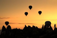 Balloons over the Cappadocia by Mehmet Mesart on 500px