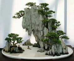 #bonsai art #diorama #ジオラマ #盆栽 (Via: 田村円) ここまでくると、もはやジオラマの世界ですね^^;。 化粧砂にK砂はどうでしょ?