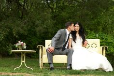 Love that yellow bench. Great place for a pic. Photo by Justin Wright Photography #cedarwoodweddings