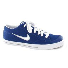 Reproduciendo una línea de tenis siempre actual, las zapatillas Nike Capri Canvas SI para hombre tienen un diseño estilizado listo para asaltar la calle con estilo.