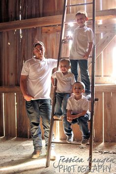 Family/Cousins ~ Inside the barn  © Jessica Haugen Photography  {facebook.com/jessicahaugenphotography}