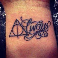 Tatuaje libro Harry Potter - Reliquias de la muerte. (Terraferma Ink - Librería Terraferma)