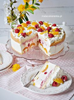 Pyszny Tort Jogurtowy z Malinami i Morelami Delicious Yogurt Cake with Raspberries and Apricots - Recipe - Small Candy Polish Desserts, Polish Recipes, Sweet Desserts, Delicious Desserts, Apricot Recipes, Cake Recipes, Dessert Recipes, Yogurt Cake, Summer Cakes