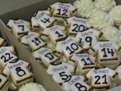 how cute. could have a jersey cookie for guests at a party