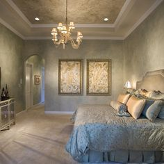 Traditional Bedroom Photos Gold Paint Design, Pictures, Remodel, Decor and Ideas - page 4 Master Bedroom Interior, Home Bedroom, Master Bedrooms, Master Bathroom, Bedroom Retreat, Modern Bedroom, Houzz, Faux Walls, Plaster Walls