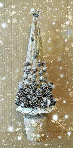 Одноклассники Handmade Christmas Decorations, Diy Christmas Tree, Christmas Centerpieces, Rustic Christmas, Christmas Projects, Vintage Christmas, Christmas Holidays, Christmas Ornaments, Advent