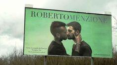 Omofobia a Terzigno strappato il manifesto del bacio gay del fotografo Roberto Menzione Questi episodi ci lasciano una profonda tristezza e tanta preoccupazione: purtroppo il clima di odio che si sta generando nei confronti dei migranti, delle persone lgbt e di tutto ciò che viene perce #terzigno #napoli #omofobia