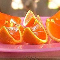 Orange jello shots in oranges...brilliant...