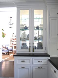 see through kitchen cabinet doors 1000 images about see thru cabinets on 25905