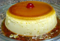 Flan express in 4 minutes Custard Desserts, Just Desserts, Delicious Desserts, Yummy Food, Mexican Food Recipes, Sweet Recipes, Cake Recipes, Dessert Recipes, Dessert Micro Onde