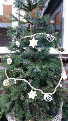 Kerstslinger met allemaal natuurlijke spulletjes