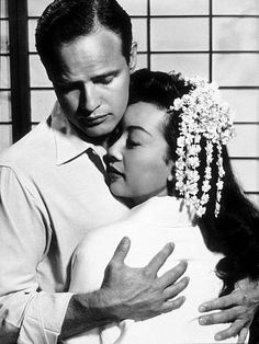 This movie is breathtaking. even though it's incredibly long and sad. Miiko Taka & Miyoshi Umeki are amazing performers and Marlon Brando commands the screen. Marlon Brando, Love Movie, Movie Stars, Movie Tv, Jean Simmons, Tennessee Williams, Al Pacino, Paul Newman, Stars
