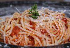 Συνταγή για σάλτσα ντομάτας έτοιμη σε 3' Spaghetti, Ethnic Recipes, Food, Essen, Meals, Yemek, Noodle, Eten