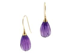 A one-of-a-kind carved, fluted pair of purple amethyst 14-karat gold earrings. Thesesimple, elegant piecescan be worn everyday or for that special occasion.