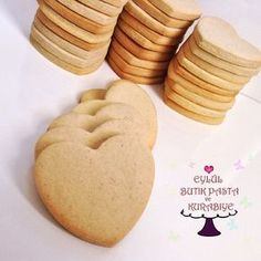 Butik Kurabiye Tarifi ve Püf Noktalar Cookie Recipes, Dessert Recipes, Desserts, Turkey Cake, Turkish Recipes, Food Humor, Royal Icing, Cookie Decorating, Sugar Cookies