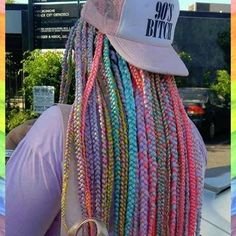 Trying to decide which is more awesome: @flowers.in.the.radiator's #rainbow #boxbraids or that sweet hat. Tough call!