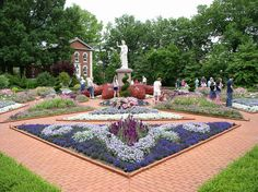 The Missouri Botanical Garden in St. Louis is considered one of the best botanical gardens in the country.