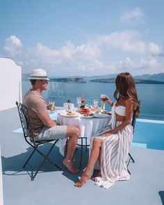 to greece To Greece destinations To Greece greek islands. to greece To Greece destinations To Greece greek islands To Greece Greece Destinations, Travel Destinations, Vacaciones Gif, Boujee Lifestyle, Greece Outfit, Luxury Couple, Honeymoon Outfits, Luxe Life, Photo Couple