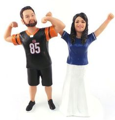 Custom sculpted to look like the bride and groom with your choice of football, baseball jerseys. The original custom wedding cake topper! Since we have created thousands of custom wedding cake toppers for brides and grooms all over the world. Military Wedding Cakes, Hockey Wedding, Military Cake, Wedding Couples, Sports Wedding, Diy Wedding, Wedding Catering, Wedding Events, Willow Tree Cake Topper