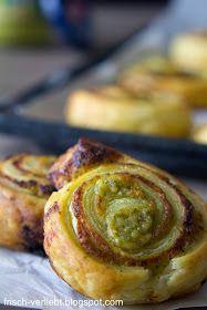 Snack für das Weihnachtsfest | Blätterteig-Schnecken gefüllt mit Pesto