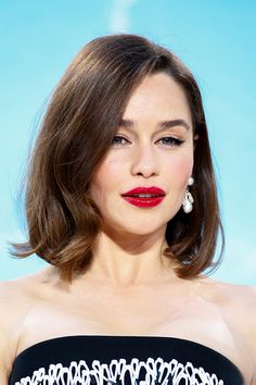 Game of Thrones Star Emilia Clarke Goes for the Chop—See The Photo! via @byrdiebeauty