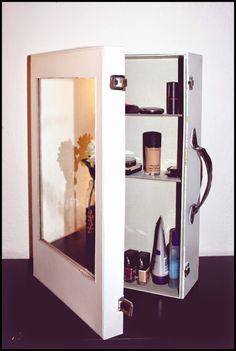 Wohnvorstellungen - Einrichtungsideen für alle: DIY! Spiegelschrank selbst machen!
