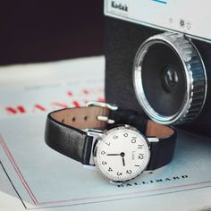 Montre mécanique vintage femme bracelet noir Luch USSR