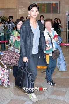 Kim Soo Hyun at Gimpo Airport Heading to Japan for Fan Meeting - May 17, 2014 [PHOTOS] : Photos : KpopStarz