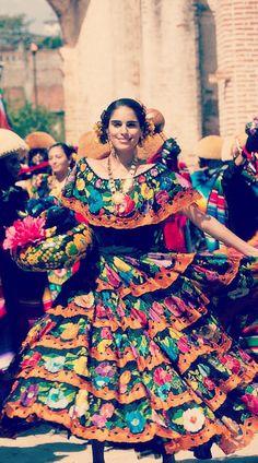 Una Chiapaneca con orgullo y disfrutando de la fiesta #Chiapas #Tradiciones