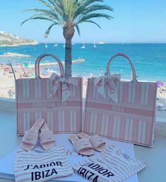 ior in Ibiza 💕 Dior Handbags, Cute Handbags, Purses And Handbags, Dior Bags, Luxury Bags, Luxury Handbags, Fashion Bags, Fashion Accessories, Fashion Jewelry