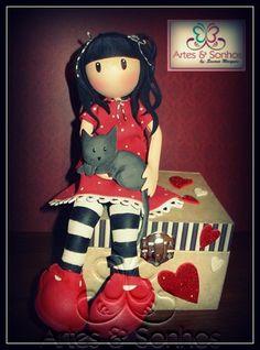 Caixa decorada com boneca GORJUS feita em EVA